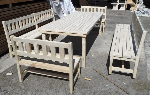 Градински маси и пейки