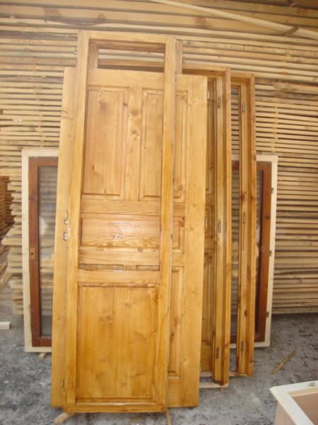 таблена врата от масив с лак