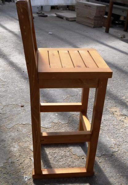 Дървен бар стол с облегалка