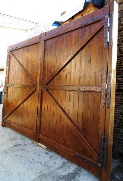 Масивни портални врати