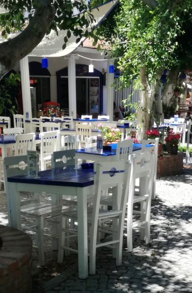Маси и пейки, столове от масивно дърво за заведения и градини-MASIV.BG